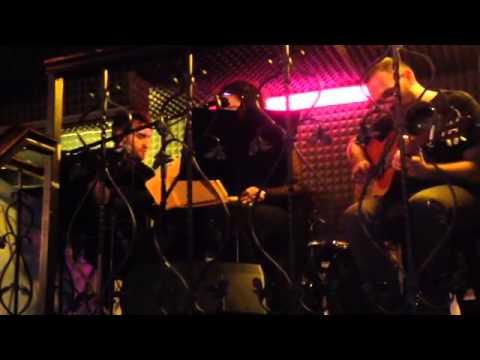 Jean+Simone - Le vent nous portera (Noir Desir cover live @ Pride Pub Roma 19-05-2014)