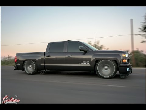 SUPER CLEAN BAG SET UP on a 2014 Chevy Silverado riding super low on 24 inch TBSS replicas!
