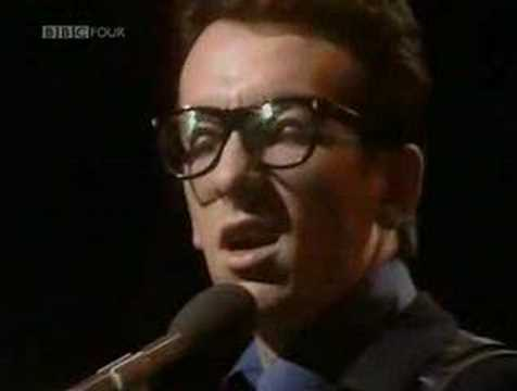 Elvis Costello - The Angels Want To Wear My Red Shoes