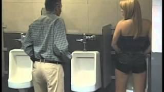 Broma De Mujer En Baños.wmv