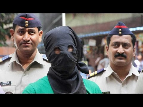 Gangster Kumar Pillai extradited to Mumbai from Singapore | Oneindia News