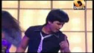 Shahid Kapoor LIVE Performance