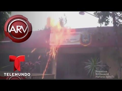 Al Rojo Vivo | Normalistas se enfrentan a la policía de Chilpancingo | Telemundo ARV