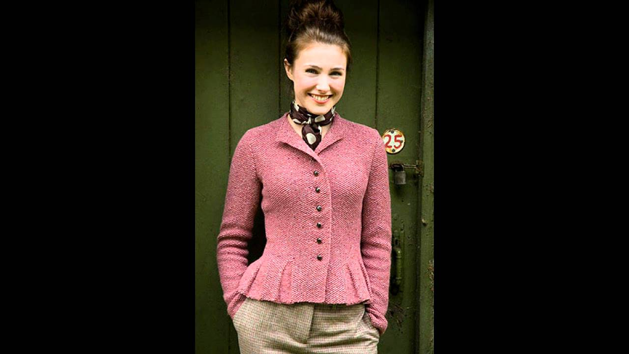 Kim Hargreaves Knitting Pattern Books : Kim Hargreaves Thrown Together Pattern Book Review - YouTube