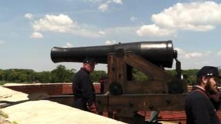 Canhão de 8 polegadas do Forte Delaware nos Estados Unidos - Demonstração