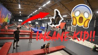 12 YEAR OLD KID DOES TRIPLE BACKFLIP AT A TRAMPOLINE PARK!