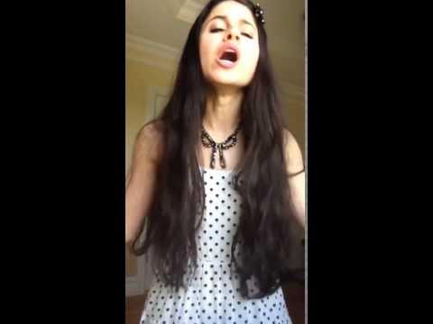 девушка перепела Ариану Гранде! очень сильный и красивый голос!