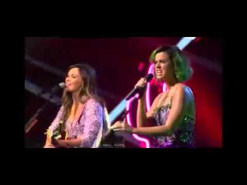Katy Perry Kacey Musgraves Keep it to yourself Live CMT crossroads 2014