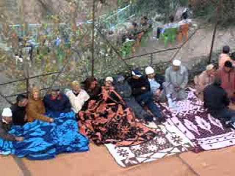 احتجاج سكان ستي فاضمة بالمركب أغبالو حتي يجي مبعوث سيدنا كلمة المحتجين..