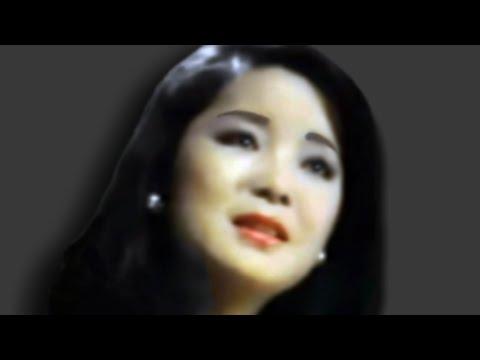 Đặng Lệ Quân (邓 丽 君 - Teresa Teng) - Mùa Thu Lá Bay (千言万语) - 1973 video