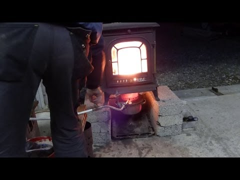 Waste Oil stove heater over 800 degrees F in just a few minutes.