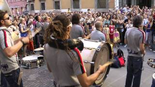 UMBRIA JAZZ 2011  Funk Off Street Parades [full HD]