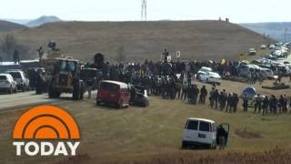 North Dakota Pipeline Standoff: Police Clash With Native American Protesters   TODAY