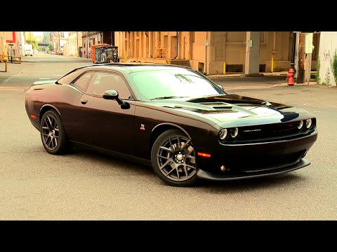 2015 Dodge Challenger Scat Pack video