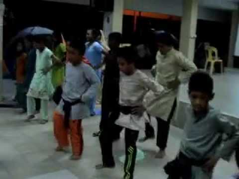 nagada - jab we met - when malay students do bhangra dance.mp4...