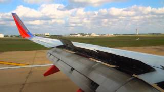 Southwest Airlines Landing into Austin, TX with B737-700W