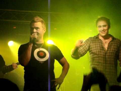 Jussi Rainio & Ressu Redford - Kemiaa live @ Drunk´n Monkey, Salo 30.10.2010