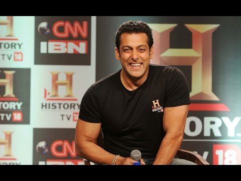 Salman Khan Flies To La - Bolywood News video