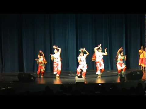Vismaya 2011 - Amma - Michelle, Irene, Isabel, Jeesa, Rosie And Team - Semi Classical Group Dance video