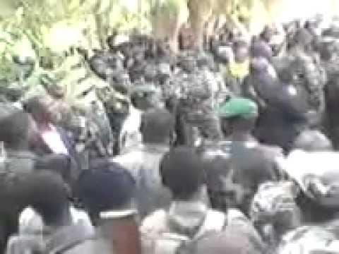 Mali Capitaine SANOGO en colère contre ses hommes !
