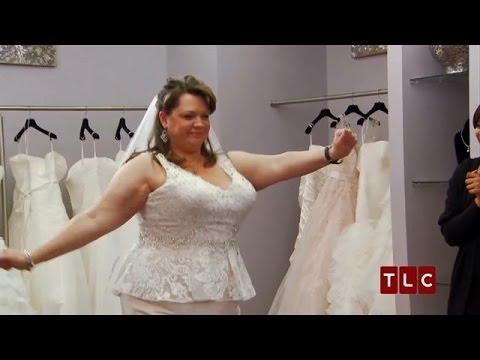 Gorgeous Dresses That Fit Curvy Brides