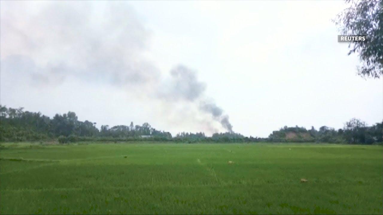 Explosion rocks Myanmar-Bangladesh border amid Rohingya exodus