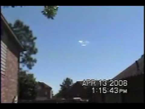 UFO Makes Clouds To Hide AMAZING must see!!
