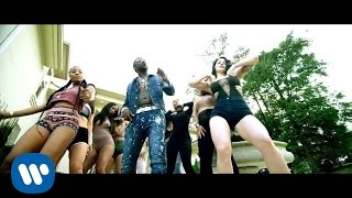 Clip Bling Blaww Burr - Gucci Mane feat. Young Dolph