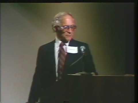 Robert Noyce - Semiconductor Pioneer