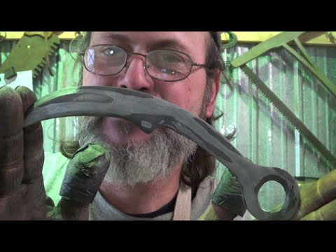 Blacksmithing - Forging Failure Of My First Karambit Motorcycle Chain and A2 Forge Weld