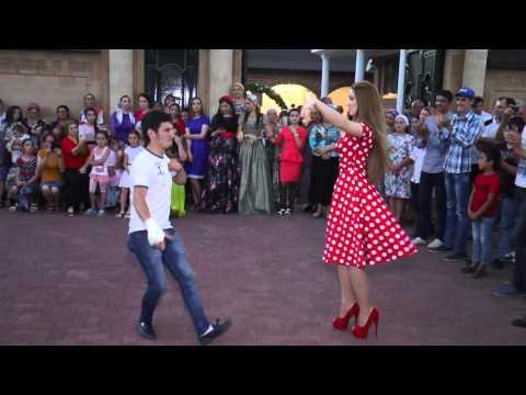 Лезгинка!!! Парень отлично танцует на свадьбе в Чечне