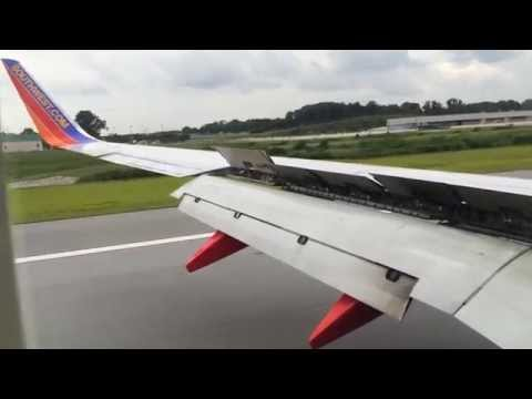 Southwest Airlines Boeing 737-700 Landing in Baltimore