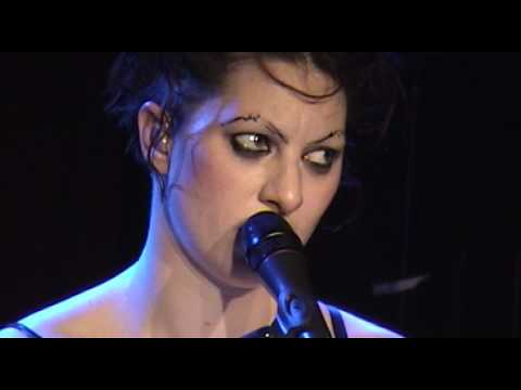 AMANDA PALMER: Look Mummy, No Hands