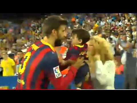 Shakira, Milan y Gerard Piqué en el Camp Nou el 14/09/2013