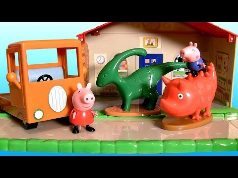Peppa Pig Museum Playset With Playground 2 Dinosaurs -  Museo Con Patio De Recreo Y Dinosaurios video