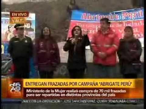 Abrígate Perú: Ministra de la Mujer entrega frazadas en Ticlio Chico