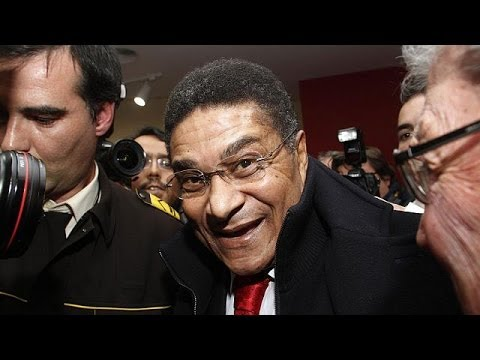 Portugal football striker Eusebio dies aged 71