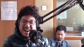 download lagu Kunto Aji Feat. Yura Yunita - Salah Potret Cover gratis