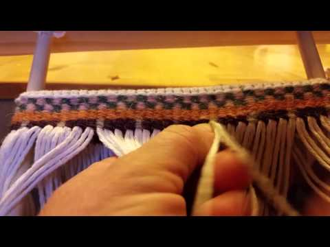 Twined weaving - how to do twined weft patterns