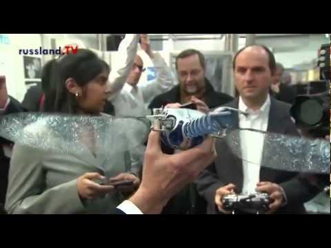 Messeeröffnung durch Putin und Merkel