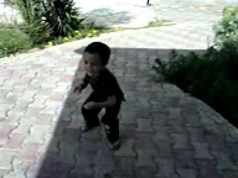 احلى رقص شعبى للاطفال thumbnail