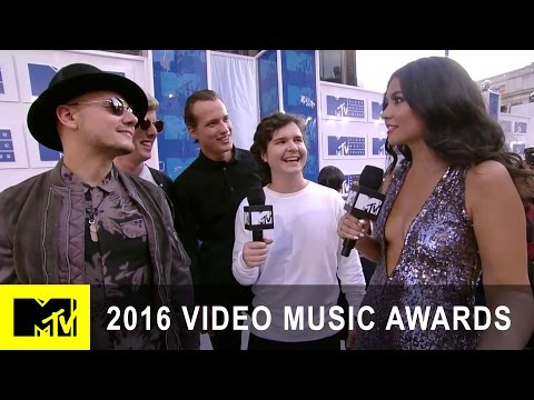 Lukas Graham Are White Carpet Awestruck | 2016 Video Music Awards | MTV