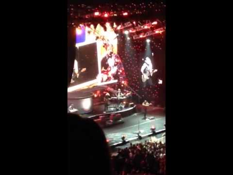 This Is Country Music Brad Paisley November 15, 2013 Omaha, video