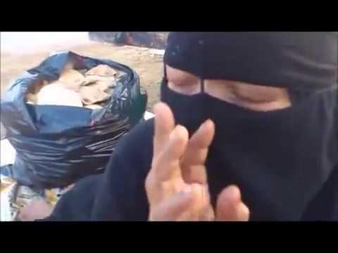 image vidéo   قصة مؤثرة:  أم رموها ابنائها بين القمامه حسبي الله ونعم الوكيل