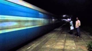 MALABAR EXPRESS WITH HONKING WAP4 NIGHT ACTION