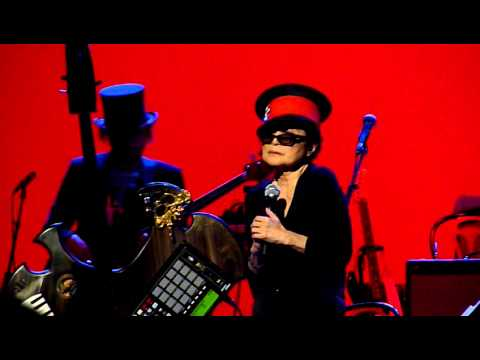Lady Gaga & Yoko Ono - It s Been Very Hard - Piano Blues - Amazing Quality!