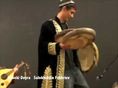 Salokhiddin Fakhriev seated doyra performance