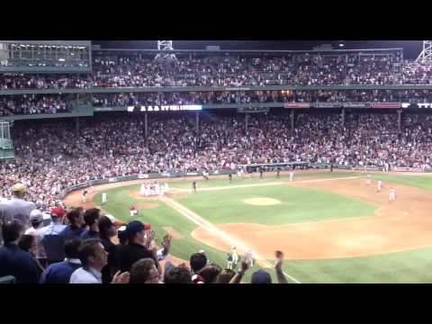 Cody Ross 3-Run Walk Off Homer Red Sox vs. the White Sox