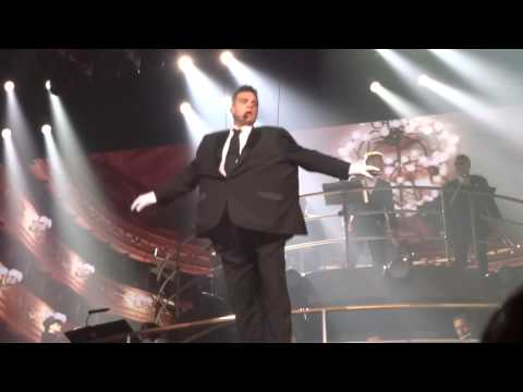 Robbie Williams - No One Likes A Fat Popstar (FRONT ROW) - 23-Sept-14 Brisbane HD