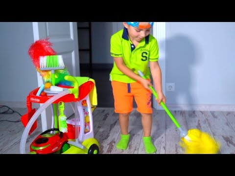 Тиша помогает МАМЕ!!!BABY helps Mommy! Kids Pretend Play with Cleaning Toys!